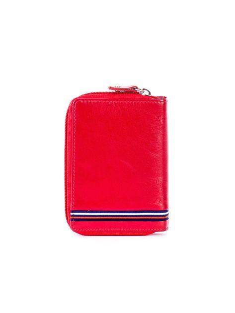 Czerwony portfel skórzany z klapką i zapięciem na suwak                              zdj.                              2