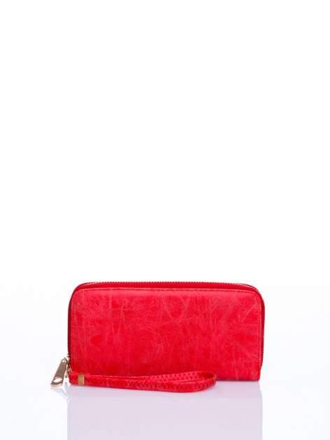 Czerwony portfel z rączką