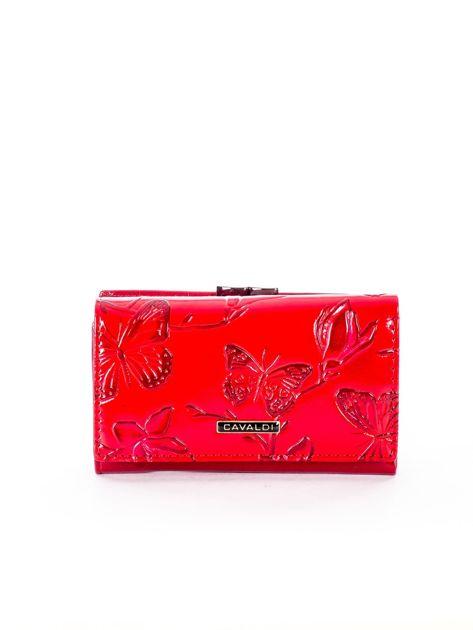 Czerwony portfel ze skóry naturalnej z tłoczonymi motylami                              zdj.                              1