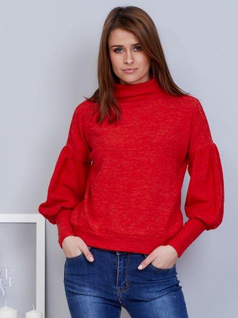 Czerwony sweter z szerokimi rękawami                                  zdj.                                  1