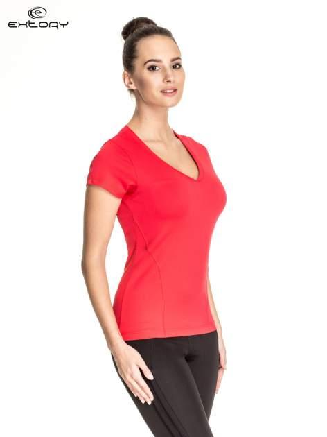 Czerwony t-shirt sportowy z dekoltem V-neck PLUS SIZE                                  zdj.                                  3