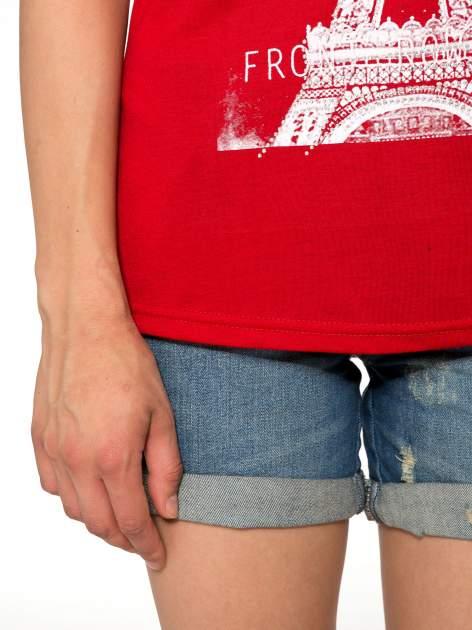 Czerwony t-shirt z motywem Paryża                                  zdj.                                  6