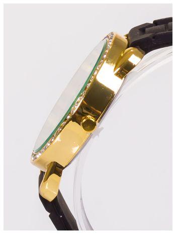Damski zegarek z cyrkoniami oraz ozdobnym chronografem na dużej tarczy. Wygodny silikonowy pasek.                                  zdj.                                  6