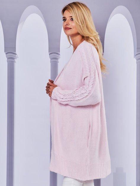 Długi sweter bez zapięcia z kieszeniami jasnoróżowy                                  zdj.                                  5
