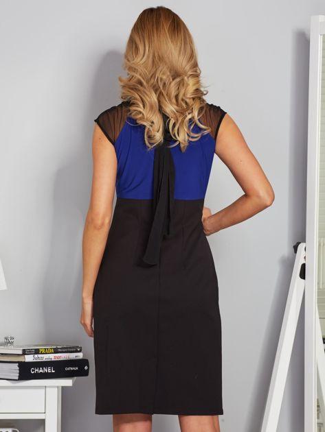 Dopasowana sukienka koktajlowa z szarfą czarno-kobaltowa                              zdj.                              2