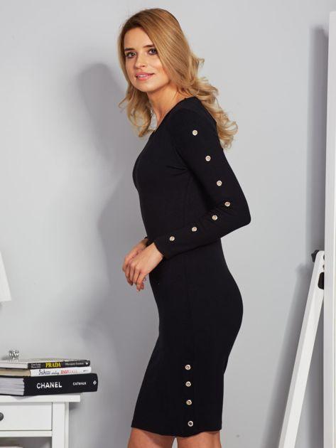 Dopasowana sukienka z oczkami na rękawach czarna                              zdj.                              3