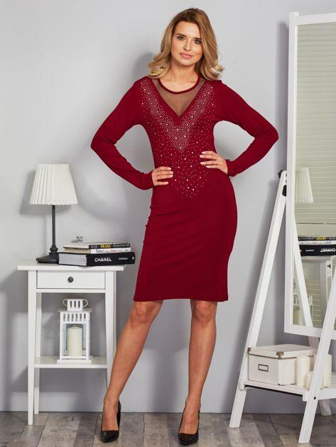 Dopasowana sukienka z ozdobnymi dżetami bordowa                              zdj.                              4