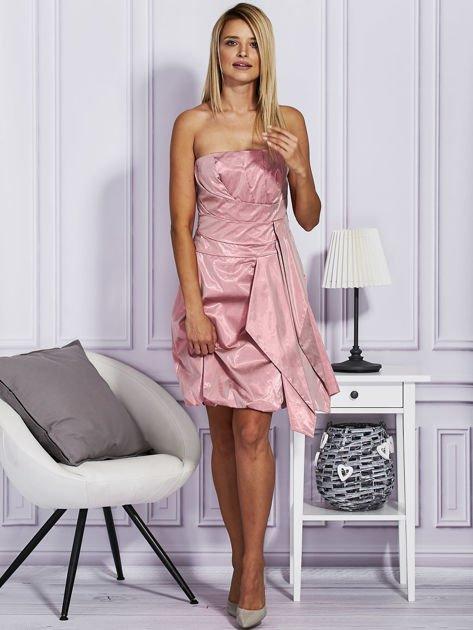 Drapowana sukienka z metalicznym połyskiem różowa                                  zdj.                                  4