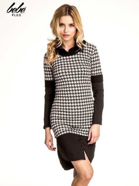 Dwuczęściowa sukienka w pepitkę z czarną koszulą