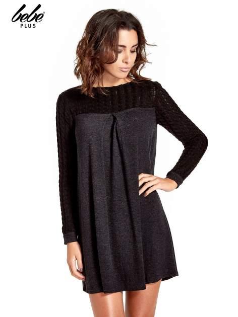Dzianinowa sukienka z warkoczowym karczkiem                                  zdj.                                  1