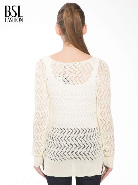Ecru ażurowy dłuższy sweter                              zdj.                              4