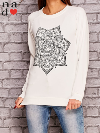 Ecru bluza z ornamentowym nadrukiem                                  zdj.                                  1
