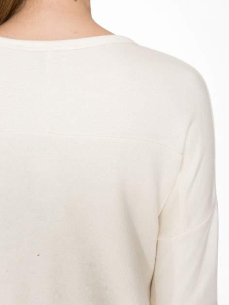 Ecru bluza z ozdobnym suwakiem                                  zdj.                                  7