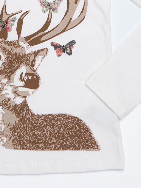 Ecru bluzka bawełniana z nadrukiem jelenia i motylkami                              zdj.                              3