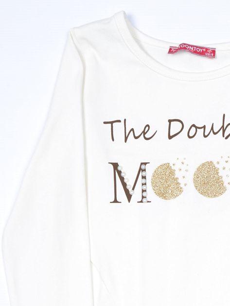 Ecru bluzka dla dziewczynki z tekstowym nadrukiem                              zdj.                              3