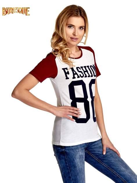 Ecru-bordowy t-shirt z nadrukiem FASHION 88                                  zdj.                                  3