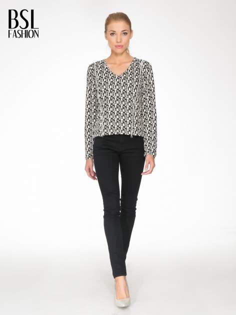 Ecru-czarna bluzka w geometryczne wzory z suwakami                                  zdj.                                  2