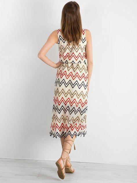 Ecru-czerwona długa sukienka we wzory                              zdj.                              2