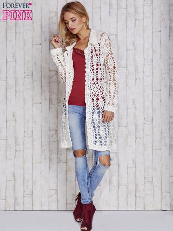 Ecru długi sweter na guzikii                                  zdj.                                  6