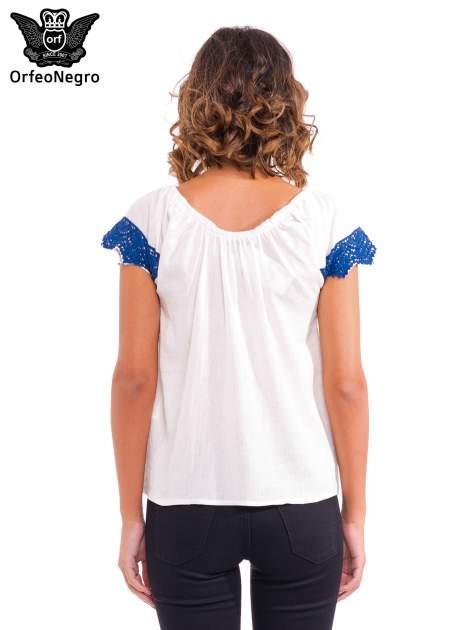 Ecru koszula z dekoltem hiszpańskim                                  zdj.                                  4