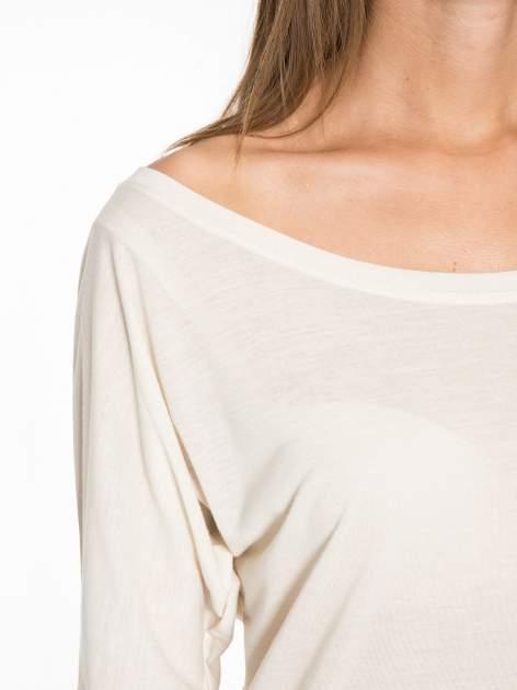 Ecru półtransparentna bluzka z łódkowym dekoltem i rękawami 3/4                                  zdj.                                  7