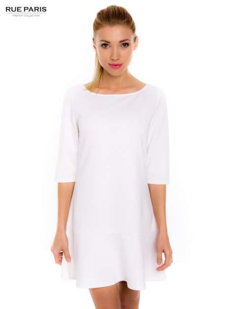 Ecru sukienka z obniżoną talią o rękawie długości 3/4                                  zdj.                                  1