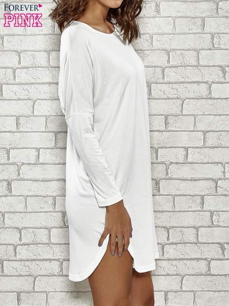 Ecru sukienka z rozporkami po bokach                                  zdj.                                  3