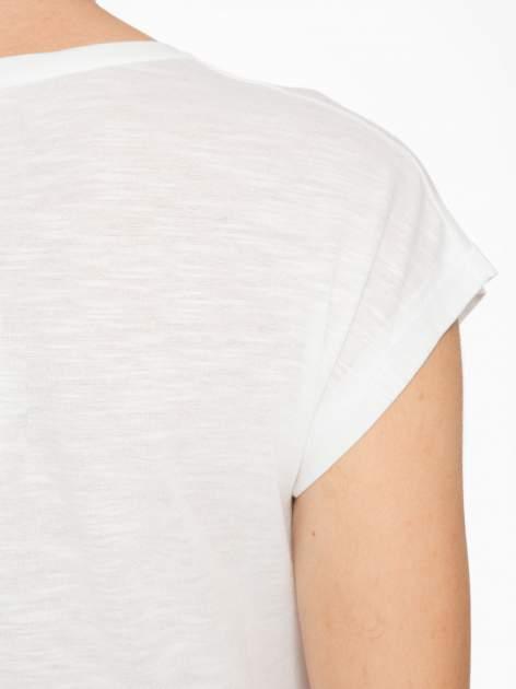 Ecru t-shirt z motywem astralnym                                  zdj.                                  8