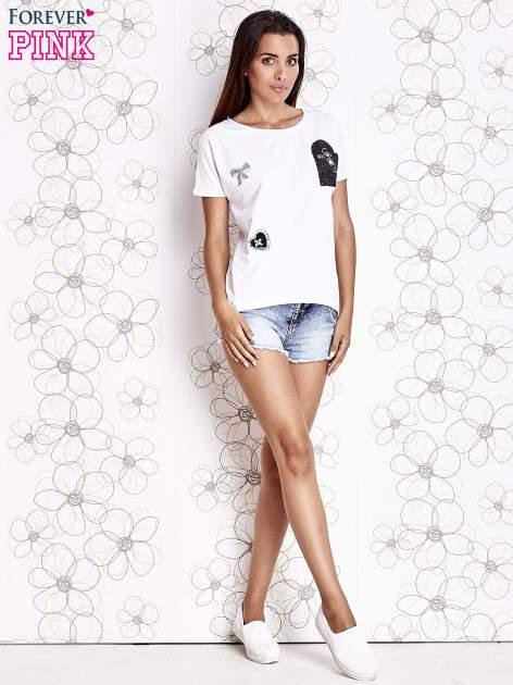 Ecru t-shirt z motywem serca i kokardki                                  zdj.                                  2