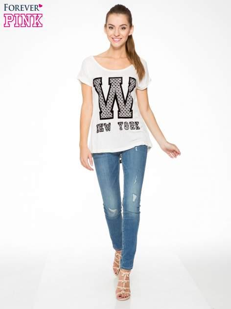 Ecru t-shirt z nadrukiem NEW YORK i koronkowym pasem na plecach                                  zdj.                                  5