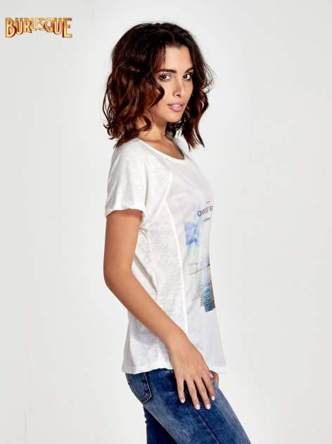 Ecru t-shirt z nadrukiem OCEANSIDE BEACH                                  zdj.                                  3