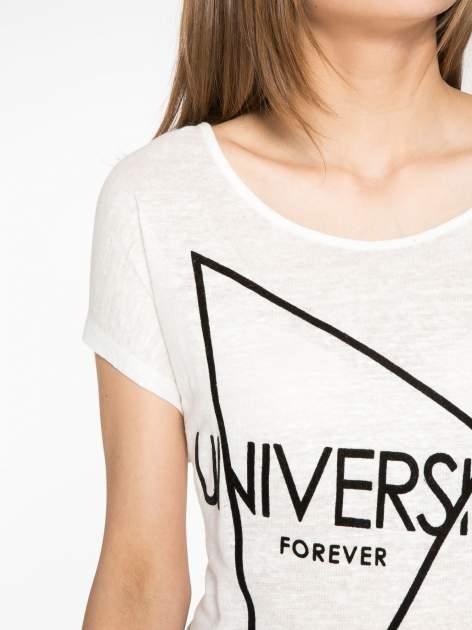 Ecru t-shirt z nadrukiem UNIVERSITY FORVER                                  zdj.                                  5