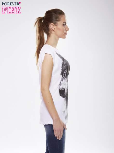 Ecru t-shirt z nadrukiem wilka                                  zdj.                                  3