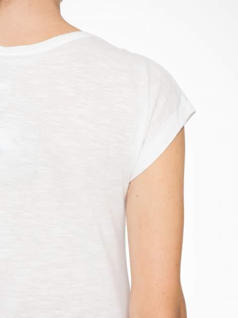 Ecru t-shirt z napisem LOVE z kostek Scrabble                                  zdj.                                  9