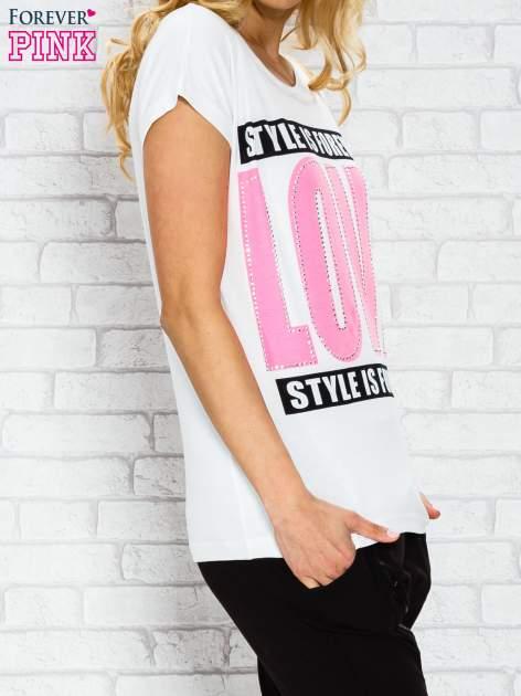 Ecru t-shirt z napisem STYLE IS FOREVER LOVE z dżetami                                  zdj.                                  3
