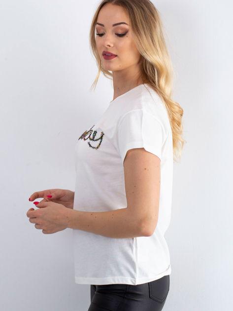 Ecru t-shirt z napisem z koralików                               zdj.                              5