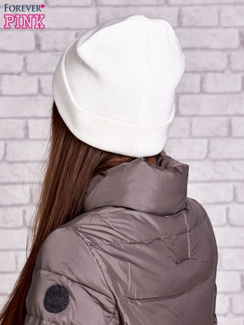 Ecru wywijana czapka z nadrukiem oczu                                  zdj.                                  2