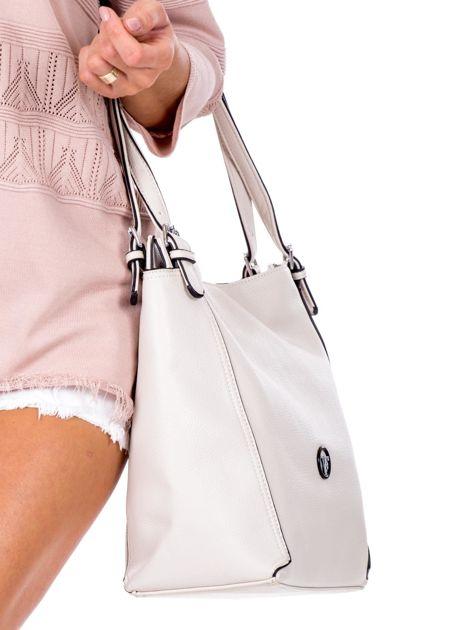Elegancka ecru torba z eko skóry z logo                              zdj.                              3