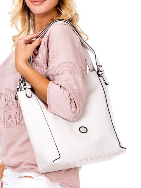 Elegancka ecru torba z eko skóry z logo                              zdj.                              5