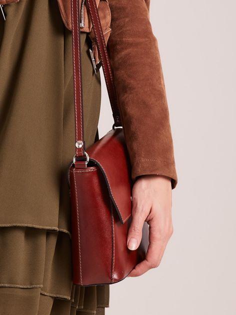 3f68f19a8fea4 Elegancka skórzana torebka listonoszka brązowa - Akcesoria torba ...