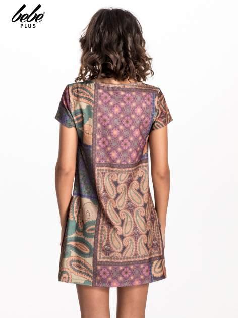 Fioletowa mini sukienka w patchworkowy wzór                                  zdj.                                  3