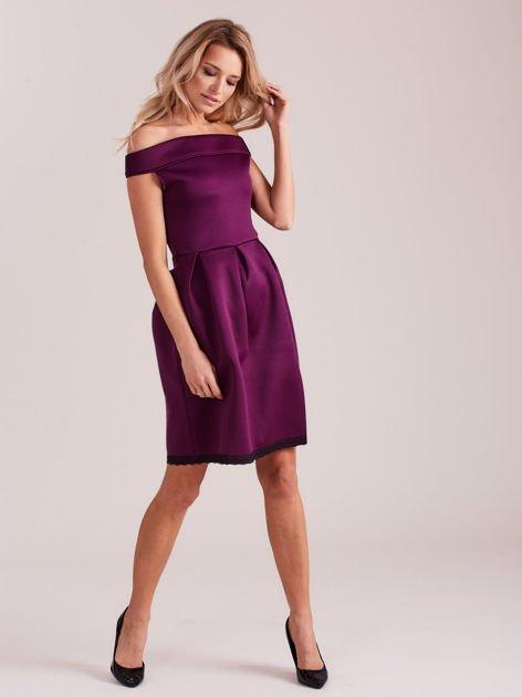 Fioletowa rozkloszowana sukienka z pianki                              zdj.                              4