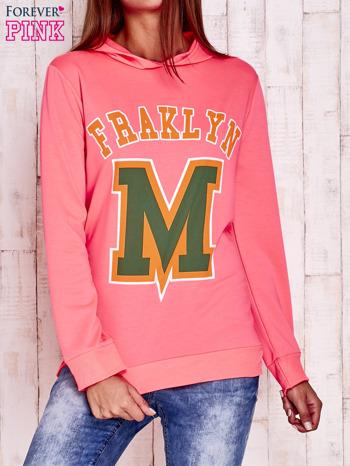 Fluoróżowa bluza z kapturem i napisem FRAKLYN M