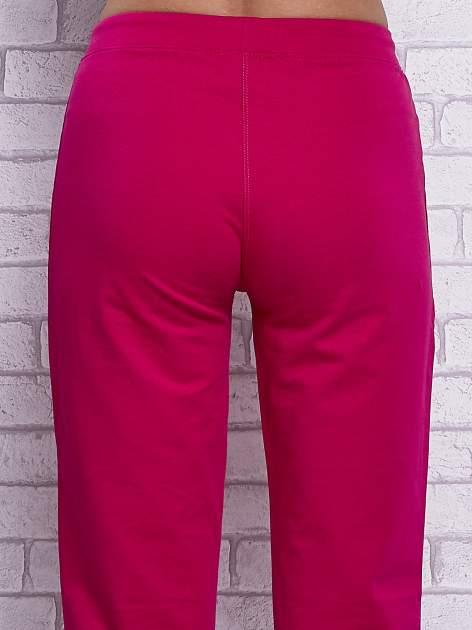 Fuksjowe spodnie capri z wszytymi kieszonkami                                  zdj.                                  6