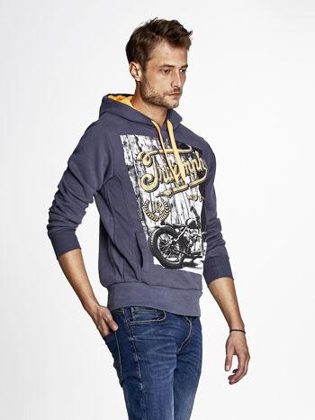Grafitowa bluza męska z motocyklowym nadrukiem                                  zdj.                                  3