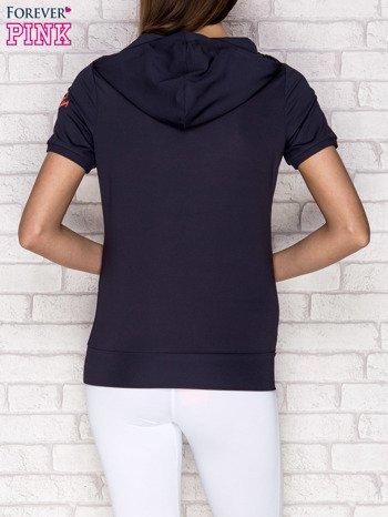 Grafitowa bluza z krótkim rękawem i kapturem