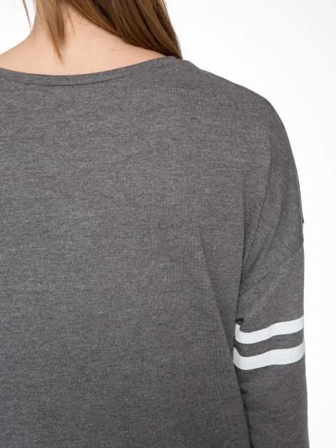 Grafitowa dresowa bluza z literą A w stylu baseballowym                                  zdj.                                  8