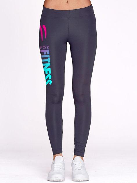 Grafitowe długie legginsy fitness ze sportowym nadrukiem                                   zdj.                                  2