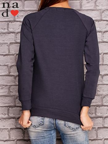 Grafitowy bluza z ornamentowym nadrukiem                              zdj.                              4