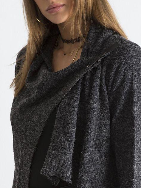 Grafitowy sweter z asymetrycznym zapięciem                              zdj.                              6